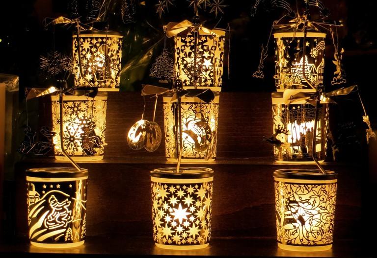 Christmas lamps for sale in Cordoba, Spain | ©Gellinger / Pixabay