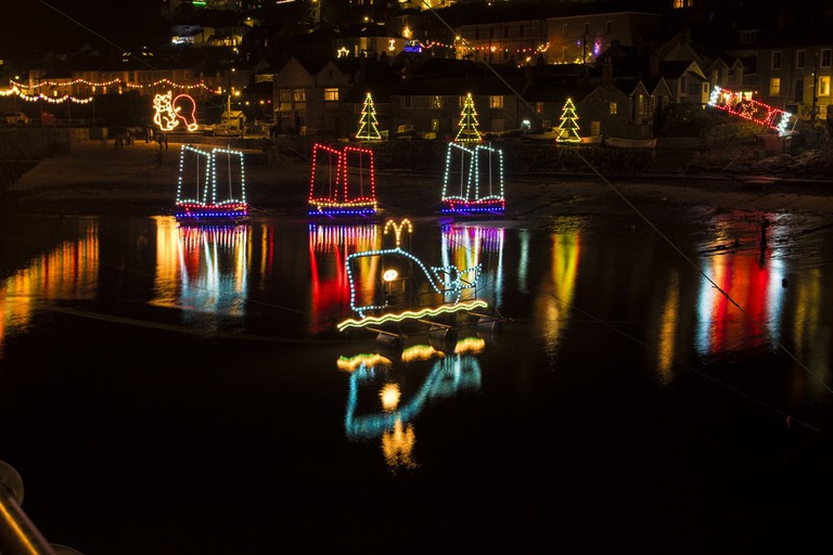 mousehole-xmas-lights-the-original-happy-snapper-flickr