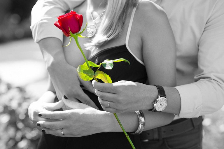 red-rose-1461043_1280