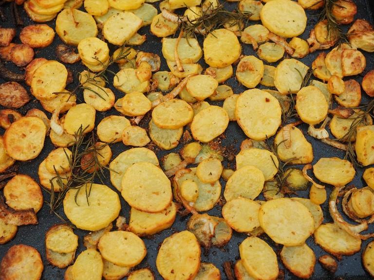 roasted potatos