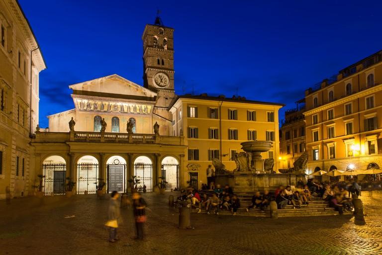 Piazza di Santa Maria in Trastevere | © Shutterstock