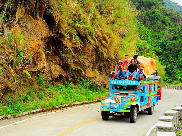 https://www.shutterstock.com/image-photo/bontoc-philippines-march-26-2012-passengers-169276862?src=eiLl1a2u4KFwooziMsRF_g-1-48