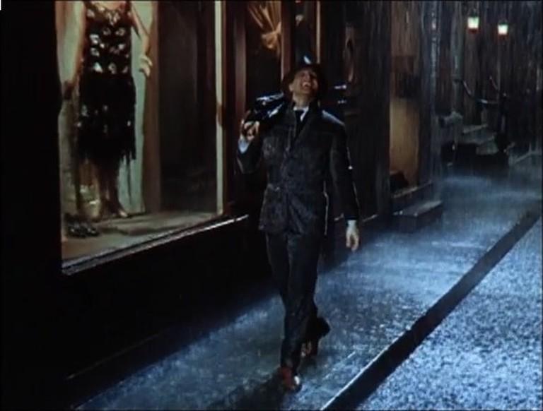Singin'_in_the_Rain_trailer_screenshot