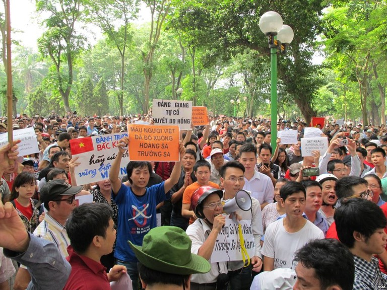Vietnamese protesting against China   © VOA/WikiCommons