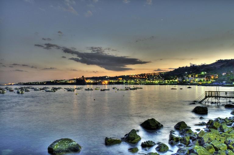 View_of_Aci_Castello_across_the_sea_from_Acitrezza_Sicilia_Italy_Italia_HDR_-_Creative_Commons_by_gnuckx_(4837118645)