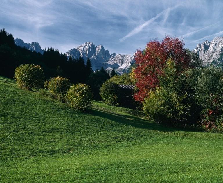 00000018143-autumn-landscape-near-going-kaiser-mountain-range-tyrol-oesterreich-werbung-Niederstrasser - Edited