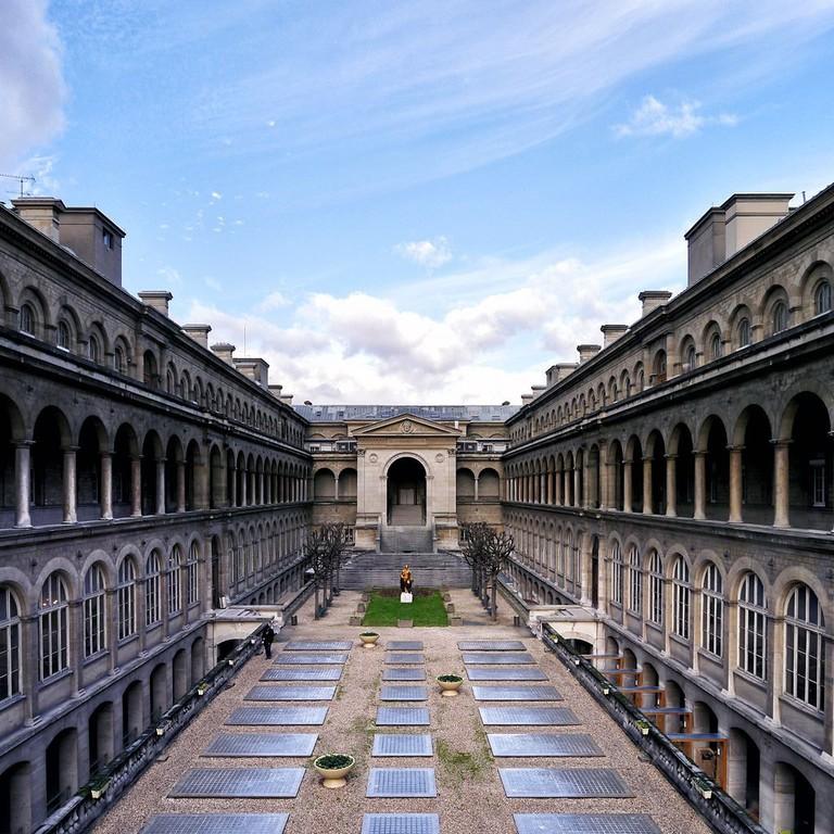 1024px-Hôtel-Dieu_de_Paris,_February_7,_2013