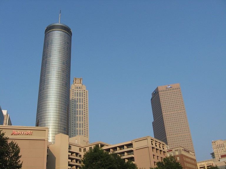 1024px-Westin_Peachtree_Plaza,_191_Peachtree_Tower,_Georgia_Pacific_Tower