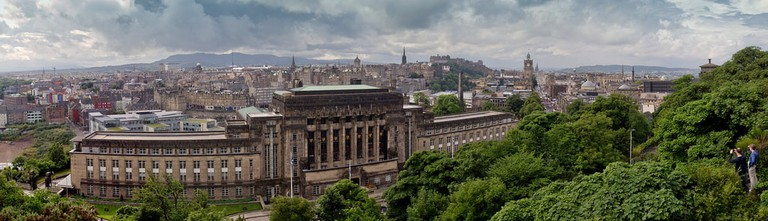 Edinburgh panorama with Old Royal High School | © Danny Navarro / Flickr