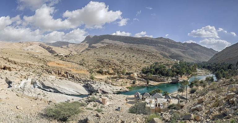 1200px-Wadi_Bani_Khalid_East_RB
