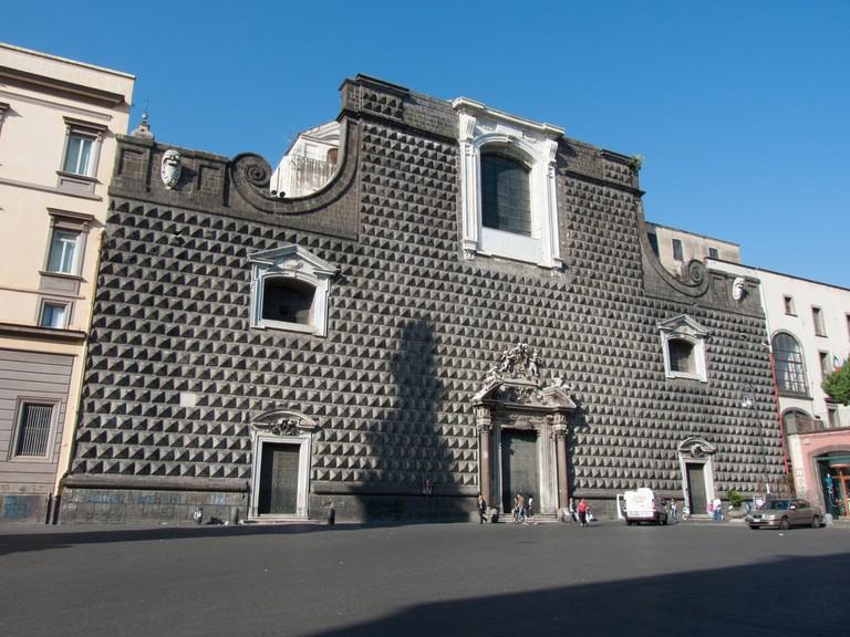 The striking facade of Chiesa del Gesu Nuovo | © Allan Parsons/Flickr