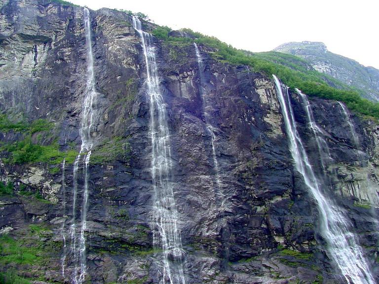 The Seven Sisters waterfalls in Geirangerfjord | © TravelingOtter / Flickr