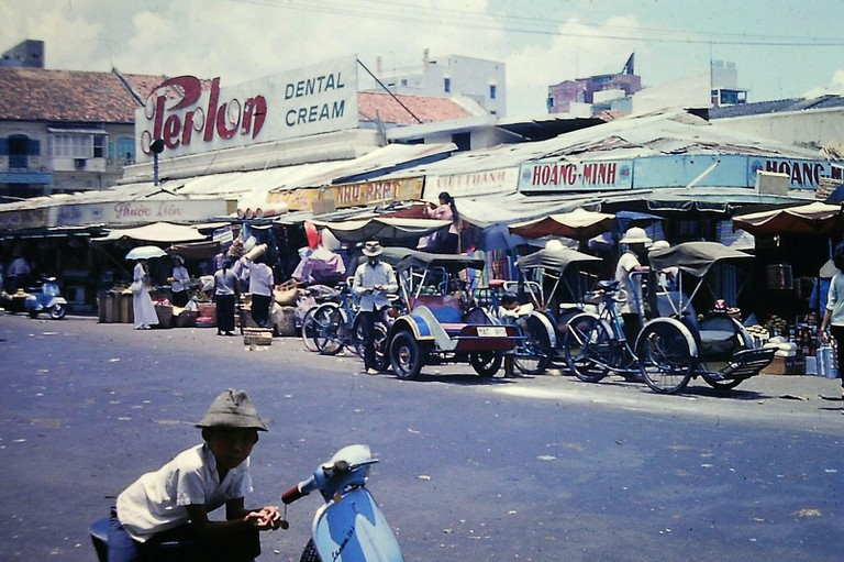 The north side of the Ben Thanh Market, on Le Thanh Ton | © manhhai/Flickr