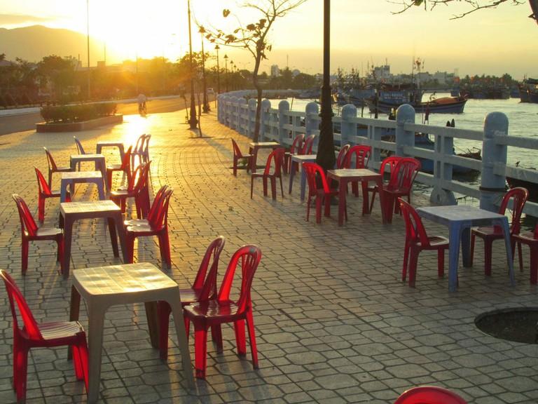Outdoor cafe in Nha Trang, Vietnam   © garcycles/Flickr