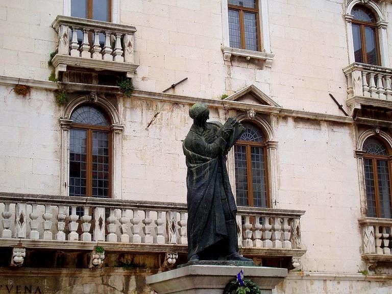 Statue of Marko Marulić, Split   © Lee Cannon/Flickr