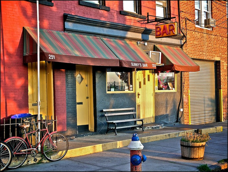 "Sunny's Bar, Red Hook, Brooklyn | <a href=""https://www.flickr.com/photos/waywuwei/5946525884"" target=""_blank"" rel=""noopener"">© Waywuwei/Flickr</a>"