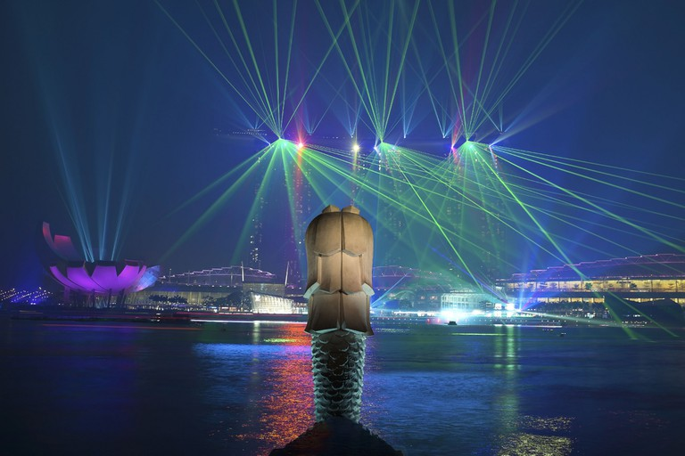 where to see singapore s spectacular light shows