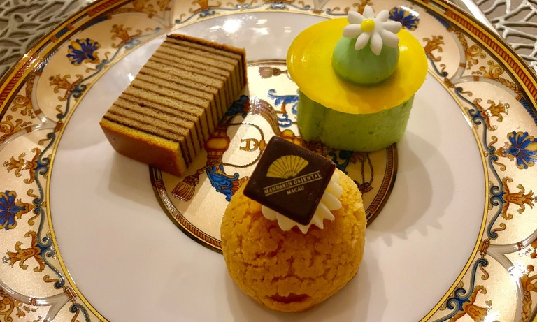 Afternoon-tea-lobby-lounge-Mandarin-Oriental-Macau