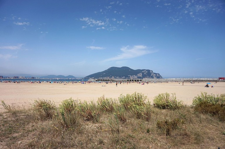 Laredo Beach, Spain   ©Tiia Monto / Wikimedia Commons