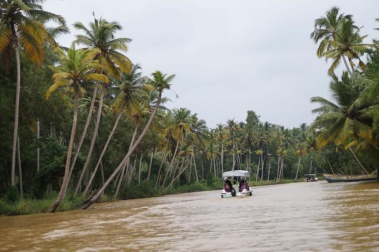 Boating Poovar