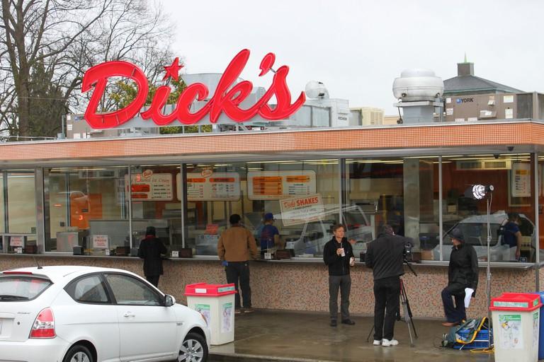 Dick's Drive-In   © Oran Viriyincy / Flickr