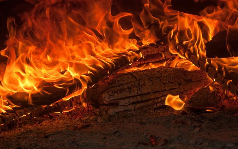 fire-2889649_1920