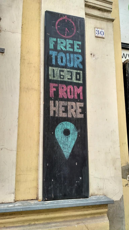Free Tour sign in Sarajevo | © Sam Bedford
