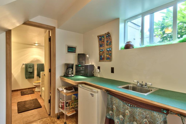 Kitchenette and Bathroom | © Airbnb