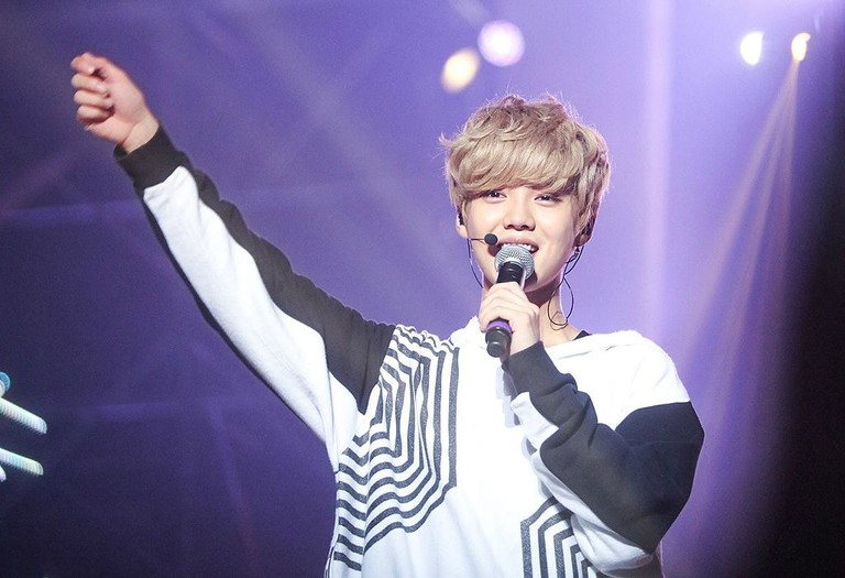 Luhan_at_the_EXO_The_Lost_Planet_in_Singapore_03