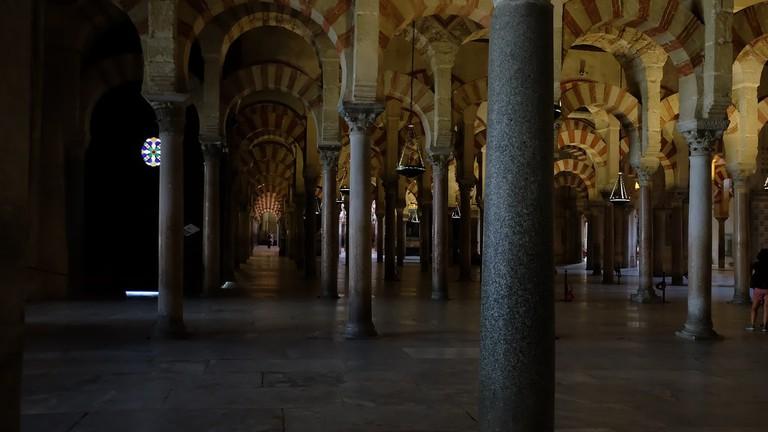 mezquita-catedral-of-cordoba-2842859_1280