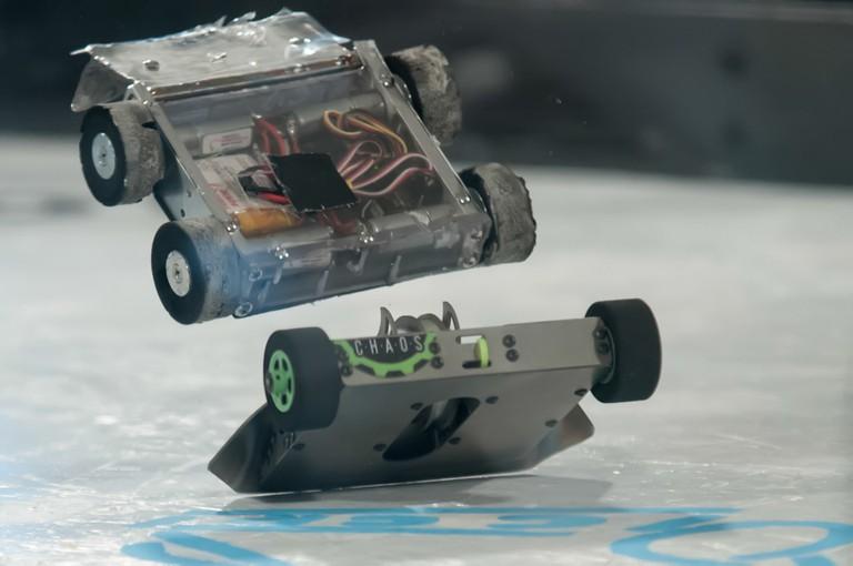 mini-bot-robot-war-battles