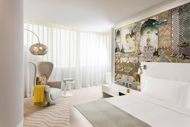mondrian-marcel-wanders-interiors-hotels-doha-qatar_8