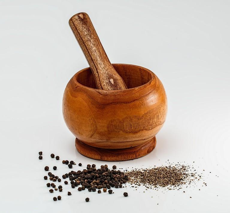 mortar-and-pestle-436885_1280