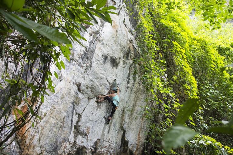 Myanmar-Rock-Climbing-Hpa-An-Wild-Frontier