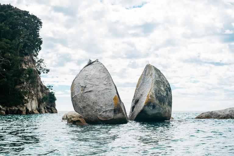 Split Apple Rock, New Zealand | © Pablo Heimplatz / Unsplash