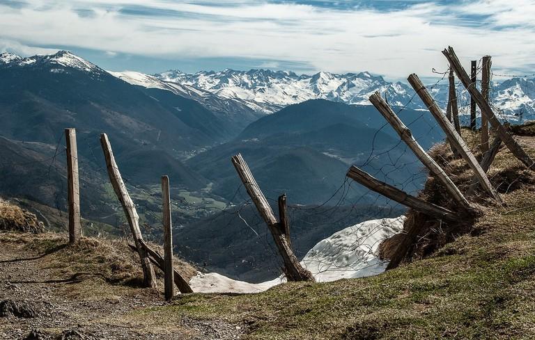 pyrenees-2142714_1280