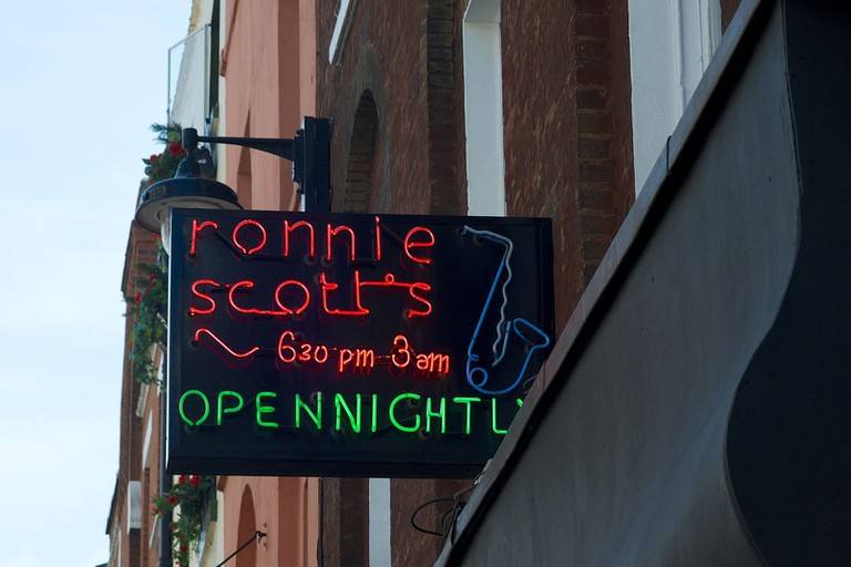 Ronnie_Scotts_Jazz_Club_sign