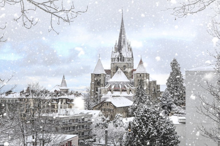 rsz_1cathedral_in_winter_copyright_david_picard_1