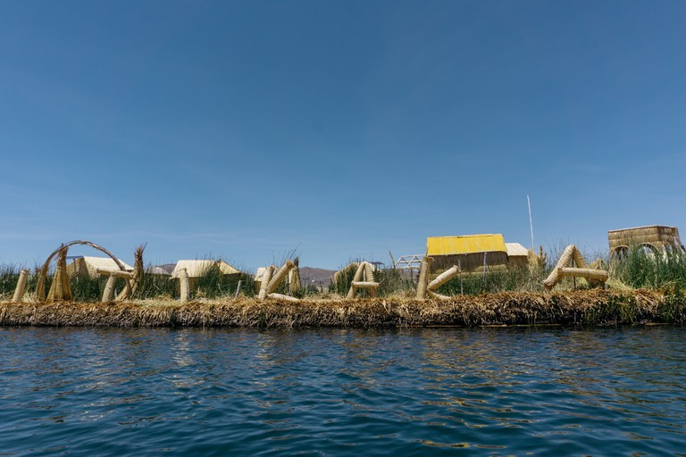 SCTP0079-Mia-Uros Island00009