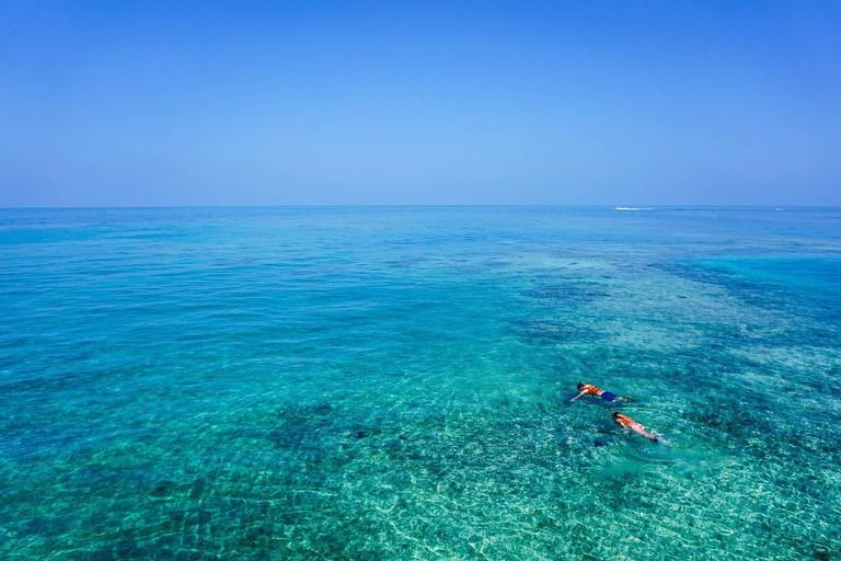 snorkeling-1209517_1280