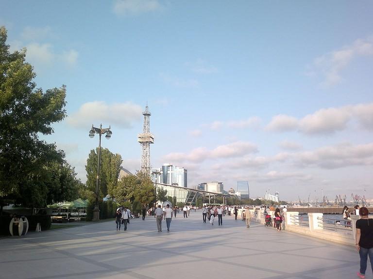 1024px-Baku_Boulevard_3