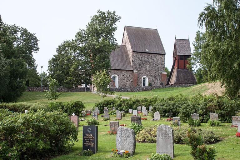 1024px-Gamla_Uppsala_church-2