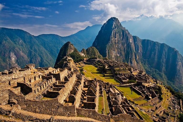 1024px-Machu_Picchu,_Peru
