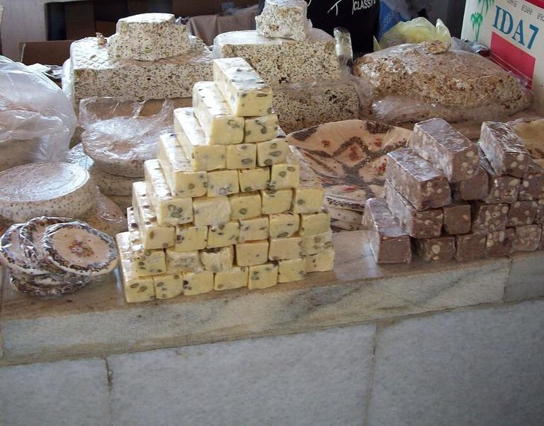 Blocks of sweet Halva | © Shuhrenataxmedov/WikiCommons
