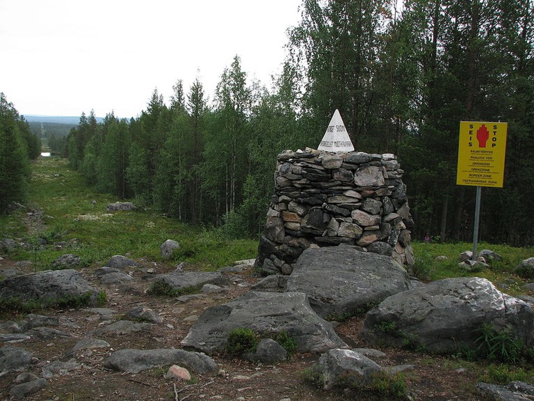 1024px-Russia-Norway-Finland_border