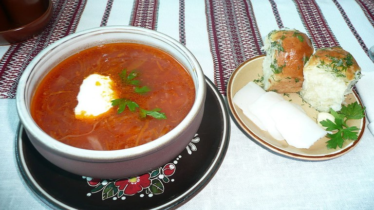 Ukrainian Borschе with Pampushky