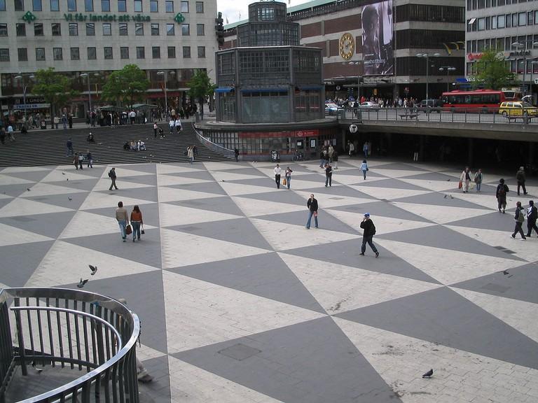 1200px-Sergels_torg_stockholm_sweden_20040512