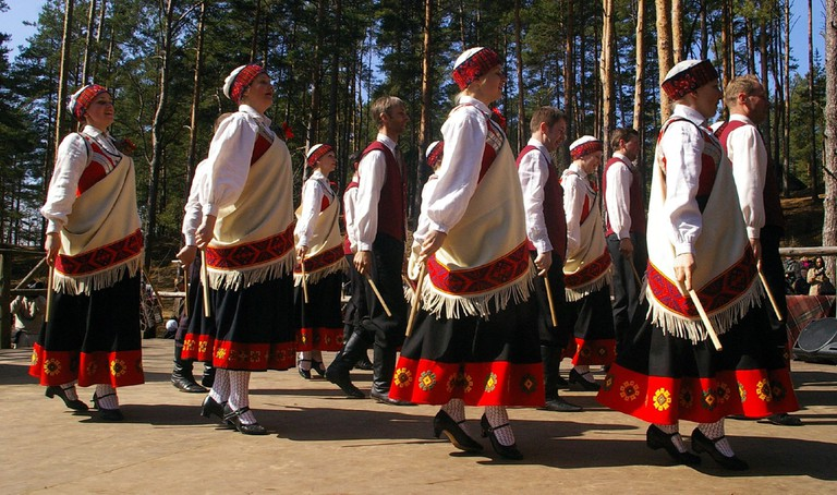 Latvian folk dancing | © Donald Judge/Flickr