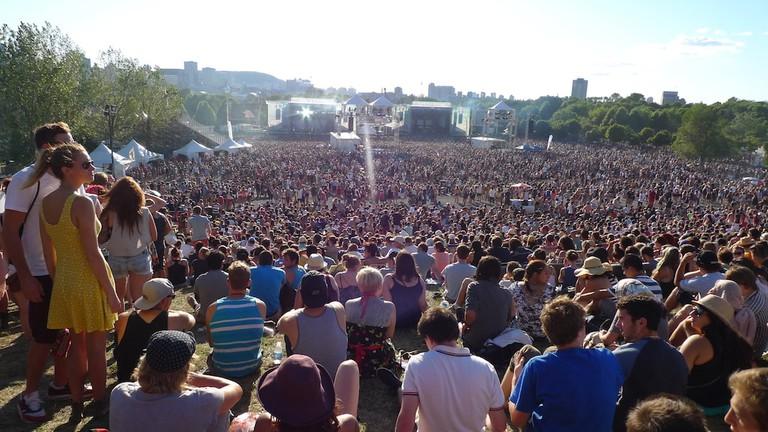 https://commons.wikimedia.org/wiki/Category:Osheaga_2012#/media/File:2012-08-03_Osheaga_Festival_Parc_Jean-Drapeau_Montreal.jpg