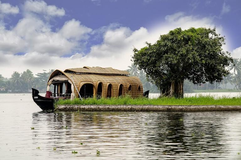 4.houseboat_